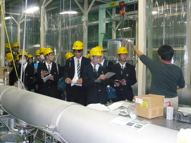 静岡北高校の学生さんたちと先生方が見学に来られました